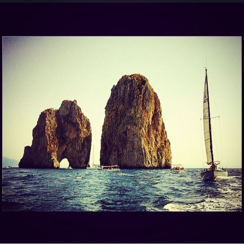 Faraglioni di Capri!!! Igers_campania Photobyme 📷 Traveling Holidays Bestmoment Bestoftheday Amalfi Coast Campania Followme Sea And Sky #mare #bellacampania #faraglionidicapri #tourist #ilmareovunque #picoftheday #beautifulmoment #summer #sempreunameraviglia