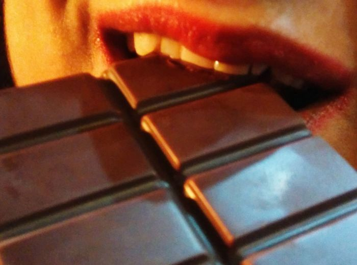 Ratia Chocolate What's For Dinner? Malika Red Lips Gitish Indian Everyday Joy Lieblingsteil