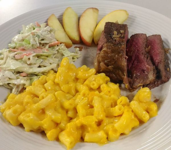 balanced meal? Tasted good anyway. Rare steak, macaroni and cheese, coleslaw and apple slices. Steaks Steak Dinner Macncheese Macaroni And Cheese Cole Slaw Coleslaw Apple Slices Apple Balanced Meal Meat! Meat! Meat! Red Meat Rare Steak Beef Foodphotography Food And Drink Yellow Close-up Food And Drink Served Serving Size Prepared Food Ready-to-eat Plate Dish