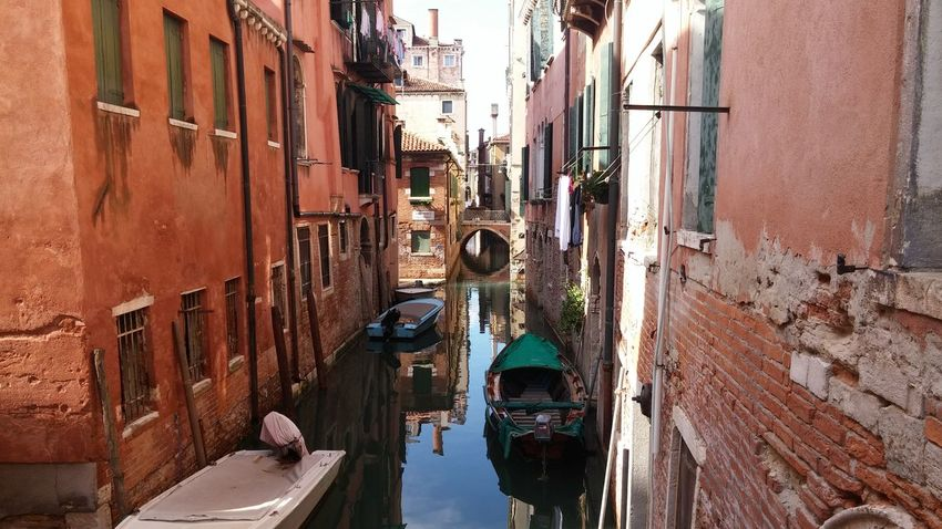 Architecture Venice Venezia Italy Old Town City Travel Destinations Street Travel History Outdoors Tourism Famous Place Art Creativity Transportation Canal Gondala Magical Place Europe Waterporn Water International Landmark Statue Art And Craft