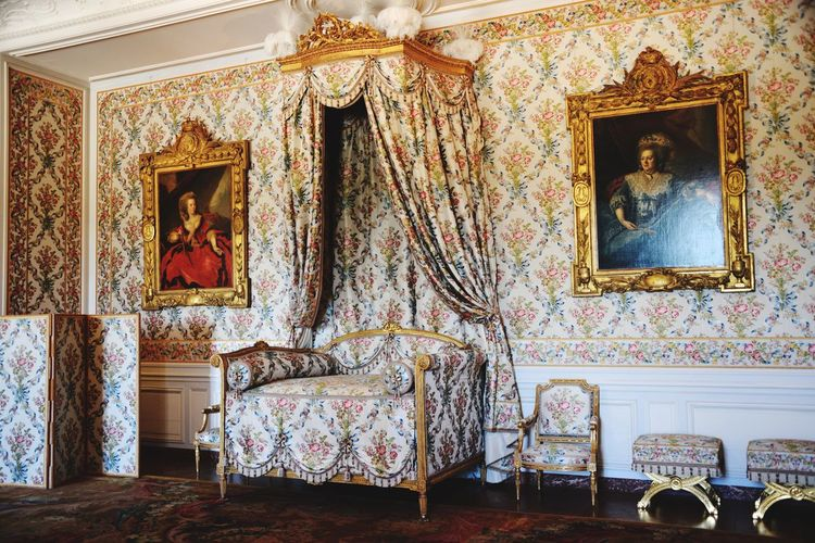 Versailles Palace Paris Castle Indoors  Chamber Chambre Bedroom Bed Historical Building Historic History Historical Historical Place Historic Site History Architecture Louis XIV King