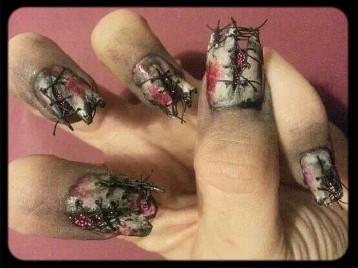 Check This Out Early Halloween ;) Imma Try This Peace Out To The Haters ♥