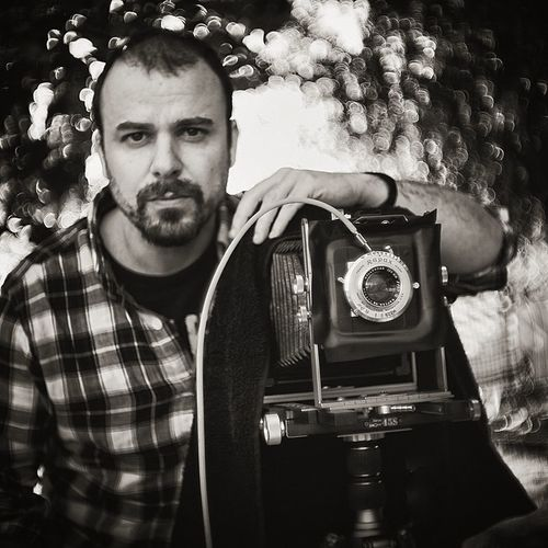 Self One Person Adults Only One Man Only Old-fashioned Only Men Beard Portrait Looking At Camera Young Adult Tree Front View Adult People Camera - Photographic Equipment Men Real People Technology Outdoors Occupation Photographer Large Format Large Format Camera Gran Formato Ebony