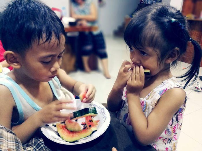 Child Childhood Girls Eating Food And Drink Boys The Portraitist - 2019 EyeEm Awards