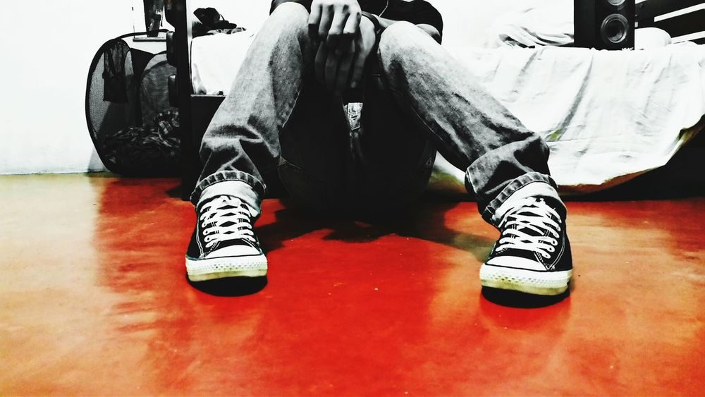 Be yourself! First Eyeem Photo Colors Red Converse Mess Jeans Style Black And White Music Is My Life Alone Room Dark Colorsplash Anti Social