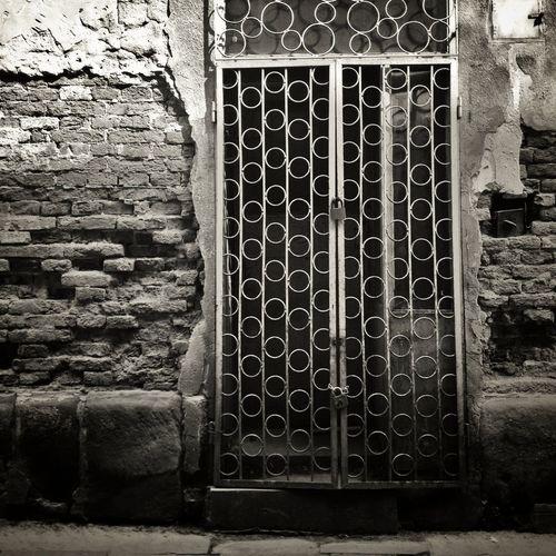 Abandoned Streetphoto_bw AMPt - Abandon NEM Derelict