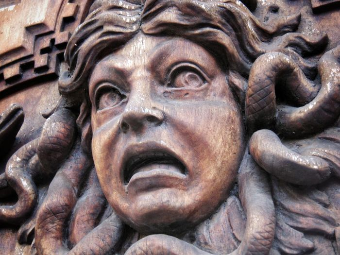 Meduse Medusa Wood Art Wood Wood - Material Wooden Door Statue Sculpture Close-up Full Frame No People Backgrounds Architecture Italia Italy Roma Rome Rom Scary Scary Face