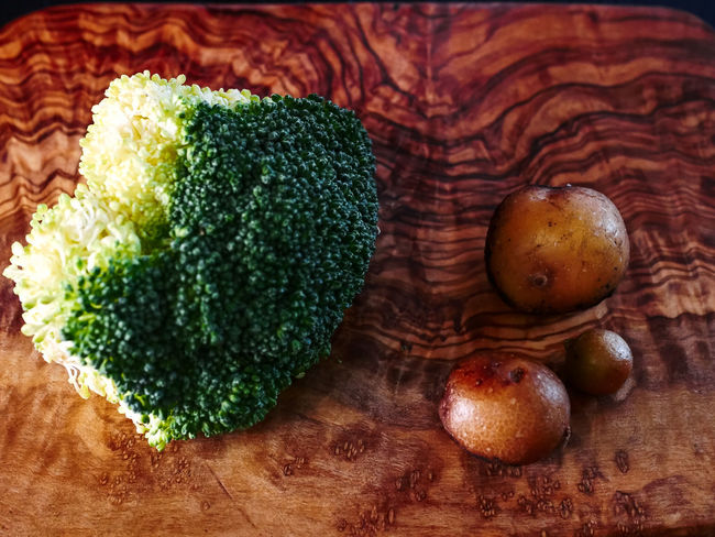Broccoli Broccolisprouts Brown Close-up Food Food And Drink Freshness Fruit Green Green Color Healthy Eating High Angle View Indoors  No People Nut Potatoes Ready-to-eat Still Life Table Vegetable Wellbeing Wood - Material