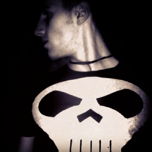 Like Frank Castle, aka the Punisher! Marvel ThePunisher Passion Instapic Instamood Ilovecomics Feel Feellike Skull Dark Knight  Igaddict
