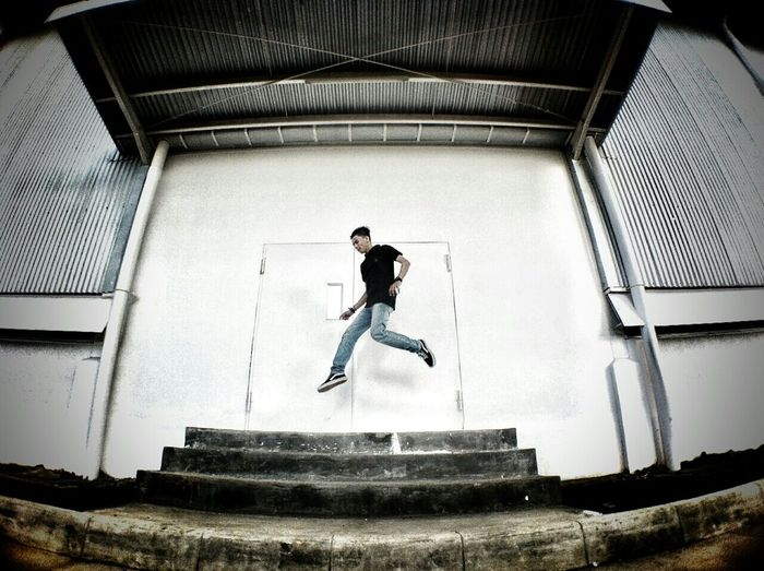 this is my levitation, how your levitation ?? Levitasihore Levitasi Ceritalevitasi Looking Into The Future Jumpfly Exploreborneo Explorepontianak Wheremyvansgo
