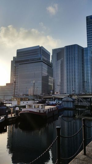 Lunchtime walk Canarywharf Water Poplar Canalboat Water Reflections