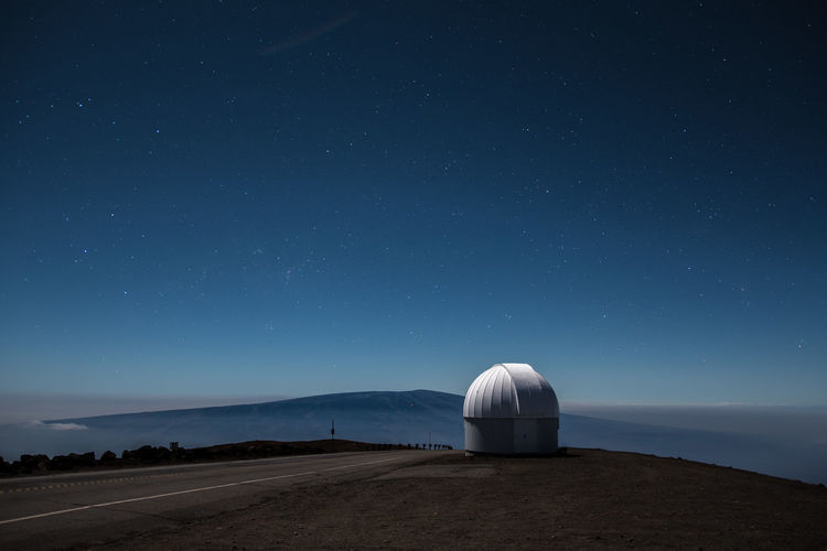 Lovely Mauna Loa and observatory. What a nice night to be close to the stars. Astronomy Blackandwhite Blue Landscape Mauna Kea Mauna Loa Night Nightphotography Observatory Outdoors Sky Star - Space Stars Tranquility