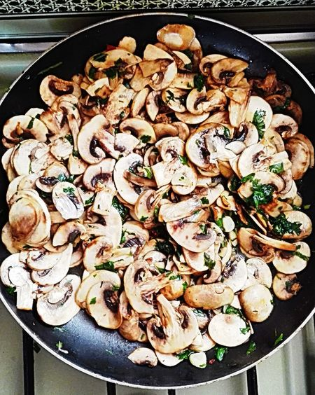 Champignons Food And Drink Food Meal Ready-to-eat Tray Serving Size Cooked Freshness Hongos  Champignons Des Forêts Food And Drink Food Freshness Appetizer Indulgence Meal Ready-to-eat Tray Serving Size Temptation Main Course Dish Cooked
