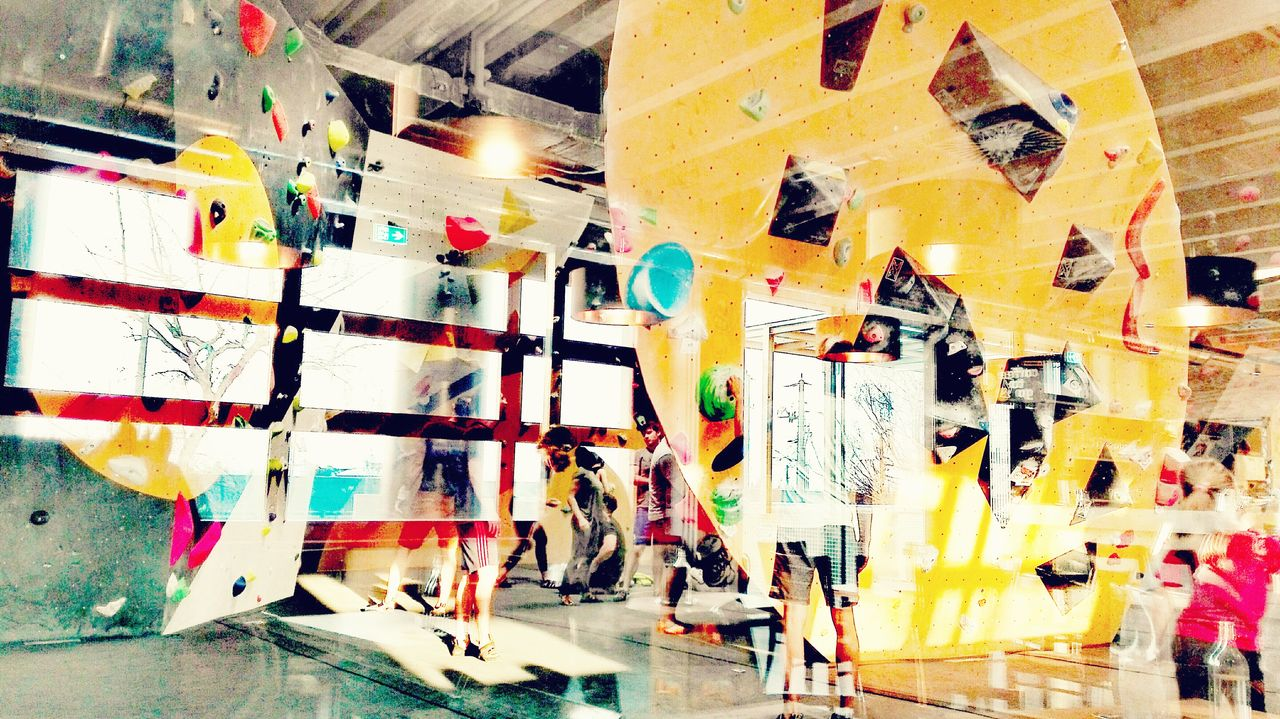 Bouldern 🔴🔵🔷✊✊💪 Blurry Boulder Boulders Bouldern Bouldern.<3 Bouldering Boulder - Rock Bouldering Wall Climbing Boulder Halle Boulder Wallpape Yellow Color Yellow Multi Colored