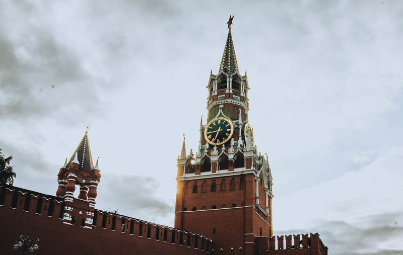 EyeEmNewHere Eye4photography  Moscow Architecture Authority Business Finance And Industry Building Exterior Lookout Tower Clock Tower Houses Of Parliament - London Parliament Building City Of Westminster Clock Steeple Double-decker Bus Palace Tower The Architect - 2018 EyeEm Awards The Street Photographer - 2018 EyeEm Awards The Great Outdoors - 2018 EyeEm Awards My Best Photo