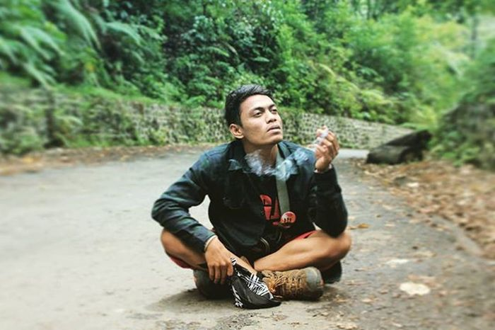 Udud mati ra udud mati, mending udud sampe mati. 😄 Janganpanikmaripiknik Ayodolan Jalanjalanmen Exploreindonesia