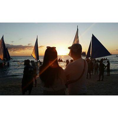 가족과 함께 행복을 나눈다는 것 아름답다 부녀 돛단배 일몰 Sunset Whitebeach Boracay Paradise 보라카이여행 보라카이 여행 여행스타그램 우정여행 @yyyyhana