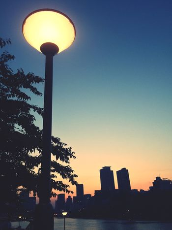 Enjoying The Sights Twilight Sky Sunset Way To Go Home