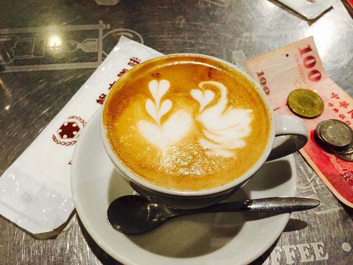 Traveling Taiwan Taipei Fong Da Coffee Latte Art IPhoneography
