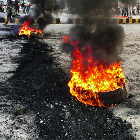 Thokkar Protest Pti Fire Tyres Pakistani