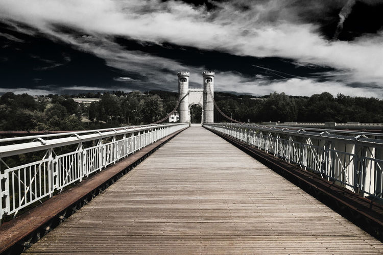 Rhone bridge. Pont De La Caille France Bnw Bnw_collection Schwarzweiß Monochrome Archidaily Cable Bridge Bridge Tower France France🇫🇷 Rhonealpes Rhône Full Length Railing Sky Bridge - Man Made Structure Arch Bridge Engineering