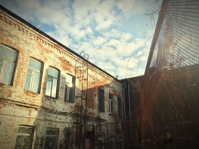 Old Buildings Red Brick красный кирпич Sunny Day