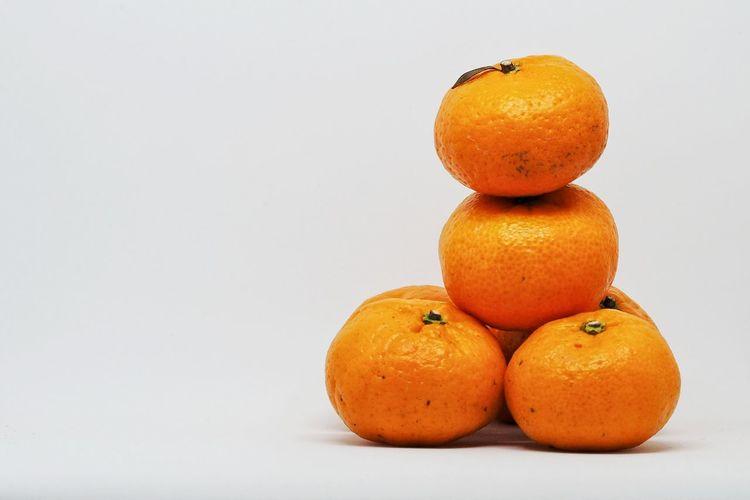 Mandarin Orange for Lunar Chinese new year. Tet Holiday Concept. Citrus Fruit Close-up Day Food Food And Drink Freshness Fruit Healthy Eating No People Orange - Fruit Orange Color Studio Shot White Background Yellow