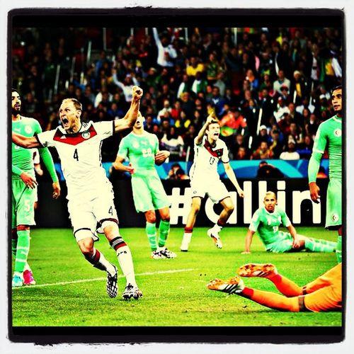 Des allemands victorieux malgrés des algériens en très grande forme... ( 2-1 ) après prolongation.