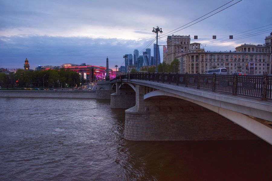 Architecture Connection Built Structure Bridge - Man Made Structure Transportation Sky River Building Exterior Cloud - Sky City Bridge Outdoors Water Day No People Cable Travel Destinations Road Nature Cityscape City Life Architecture_collection Moscow, Москва Nikon Nikon D5200 The Street Photographer - 2017 EyeEm Awards The Architect - 2017 EyeEm Awards