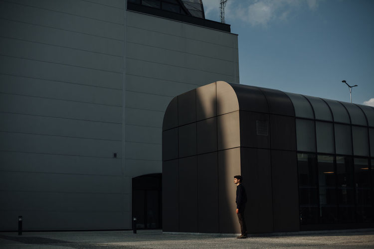 follow me on instagram : ulisi_Architecture People Industry Modern Outdoors City Day Adult Boy Mood Photo VSCO Color Photography Vscocam Minimalist Minimal Minimalism Men Only Men Modern Lines Architecture Cityscape City The Architect - 2017 EyeEm Awards The Week on EyeEm Editor's Picks