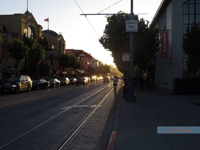 Sunset Walk near Peer 39, San Francisco San Francisco Peer 39 Vacation Time Travel Destination City City Walk Sunset Sunset In The City  Lines Light And Shadow Sun Goes Down Sunshine Atmosphere City Life City Road Chasinglight Chasing The Sun Mood Pleasant Afternoon Getting Inspired