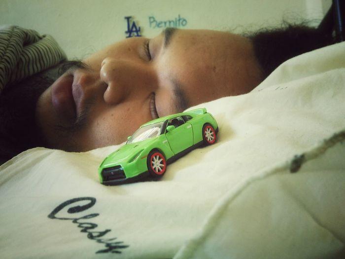 ลางานนอนป่วยอยู่บ้าน.... ป่วยหรือตาย? สภาพอย่างศพ