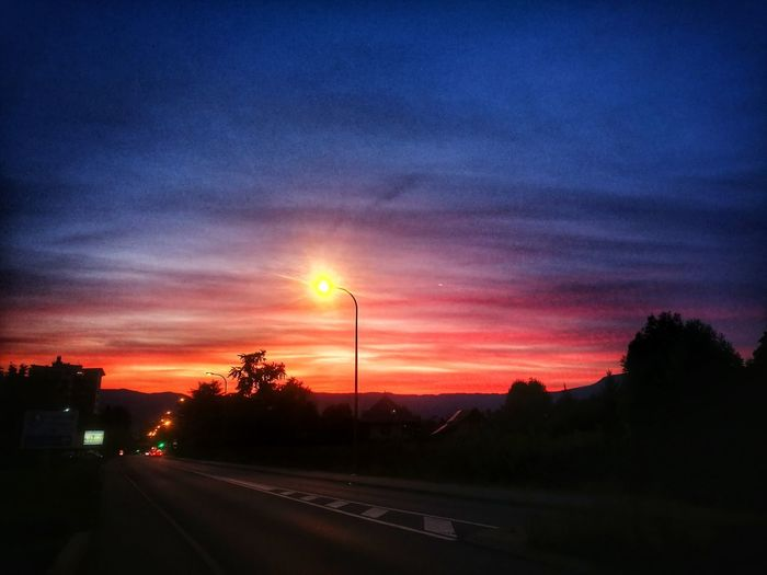 Sunset Dramatic Sky Cloud - Sky Road Car Street Light Beauty In Nature
