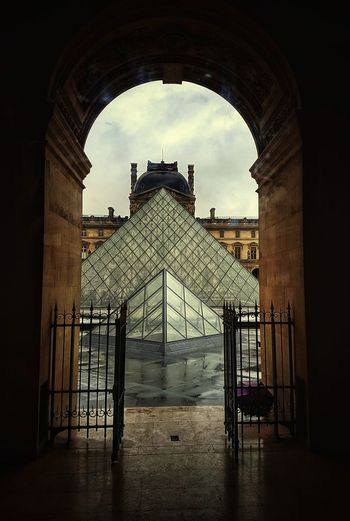 Architecture Travel Destinations Louvre Louvre Museum Louvre Pyramid No People History Paris ❤ Louvre Perspectives France🇫🇷 Visual Creativity The Architect - 2018 EyeEm Awards