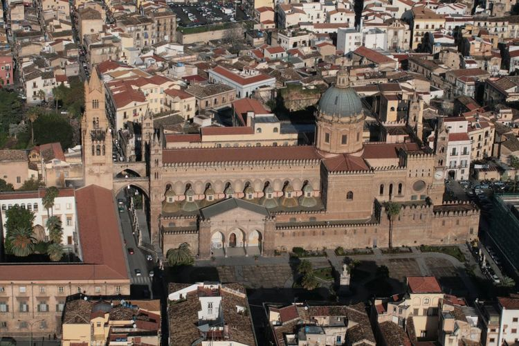 La cattedrale Cattedrale Palermo Outdoors Building Exterior No People Day City Cityscape