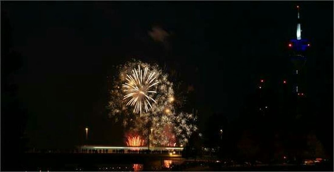 Capturing Movement Düsseldorf Fireworks Japantag Düsseldorf