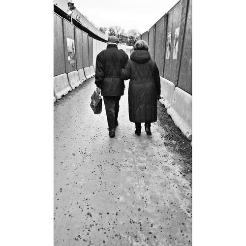 True love. Valentine Mobilephotography Streetphotography Love Visitoslo Blackandwhite Photography Samsung Galaxy S4