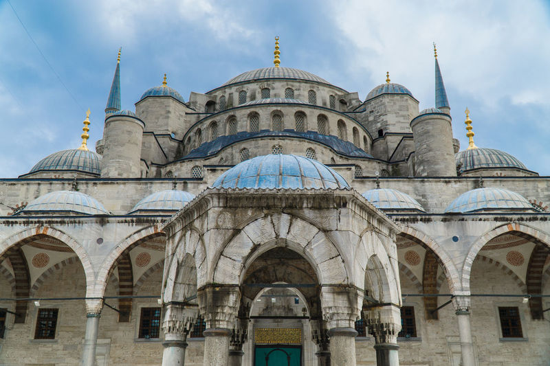 Blue Mosque - Sultan Ahmet Camii, İstanbul Arch Architecture Blue Mosque Building Exterior Built Structure Cami Cloud - Sky Dome History Istanbul Istanbul Turkey Mimari Mosque Outdoors Sky Sony A6000 Sultan Ahmed Mosque Symmetry Taking Photos Tourism Travel Destinations Turkey Türkiye Miles Away