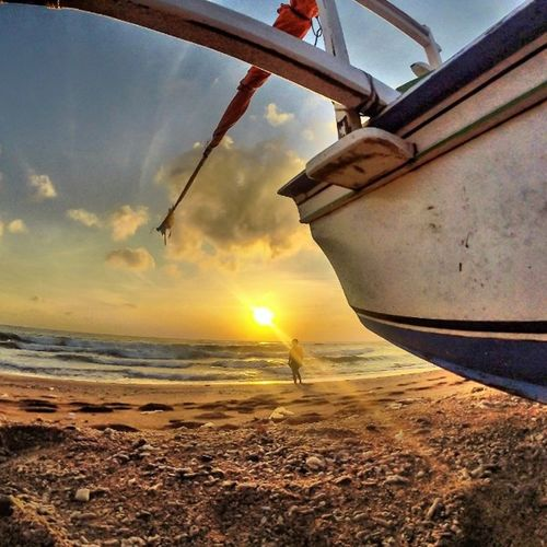 Good morning ... Don't waste your weekend with nothing ... Location : Amed, Karangasem Amedbeach Sunrise Goprodewata Hollabali Findyourcoast