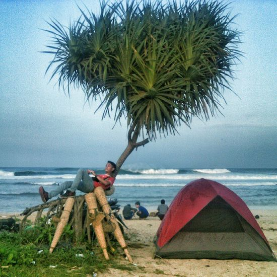 Ngenjoy 😁 . . Garut Beach Enjoying Alm