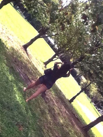 Summer Views beautiful day!!!🌼 Girl 💍😍 Park 👣👣🌳⛲️