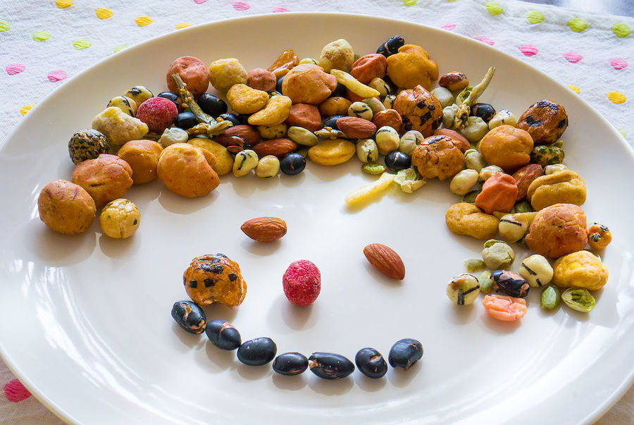 Beens Dish Face First Eyeem Photo Food Homemade Japaneesefood Nuts Okaki(おかき) Plate Smile Snack Expression