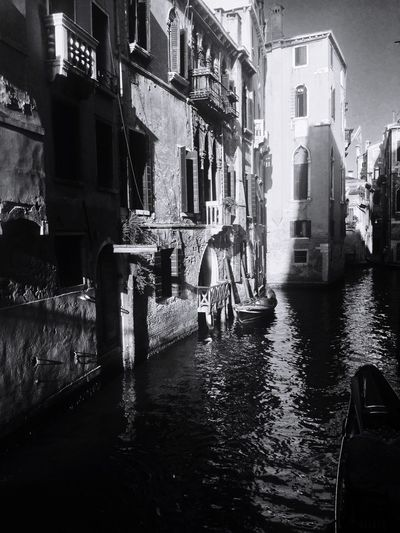 Lots of Water in Venice Italy . Showcase March Urban Iphonephotography Amazing City Transparent Wet No People Tranquil Scene EyeEm Gallery The Week Of Eyeem EyeEm Best Shots - Black + White Things I Like Summer Family Venedig