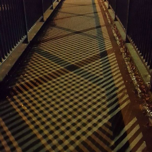 Loving the Pattern caused by the Streetlights on RopeWalk Bridge www.facebook.com/melaniecycles Urbanphotography Photography Photos Lifethroughalens Cyclephotography Architecture Streetfurniture Urbancycling Nightcycling Cyclesights Commutebybike Wintercycling Lincoln