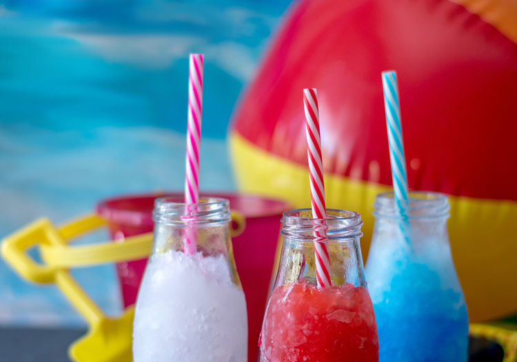 Frozen red white and blue slushes for the kids will be a hit at your 4th of july summer party