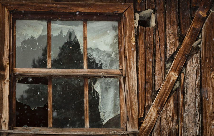 Village Snow Broken Cabin Cabin In The Woods Outdoors Reflection Snow Square Structure Sünnetköy Turkey Village Life Village View Window Winter Wintertime Wood Wood - Material Wood Material