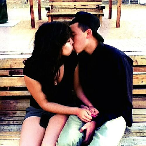 Kissing Her!! :)