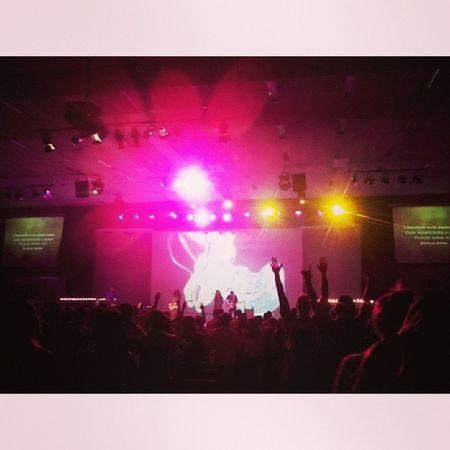 Jesus reina nesse lugar com misericórdia e graça! Woooow ARENA! Bestday Bestplace 300