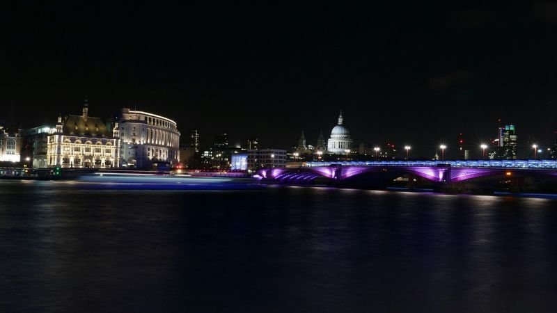 Panasonic Lx100 Nightphotography Light London Tamesis Night Lights London Night St Paul's Cathedral Life In Colors Traveling Photography In Motion Cities At Night Overnight Success London Lifestyle HUAWEI Photo Award: After Dark HUAWEI Photo Award: After Dark