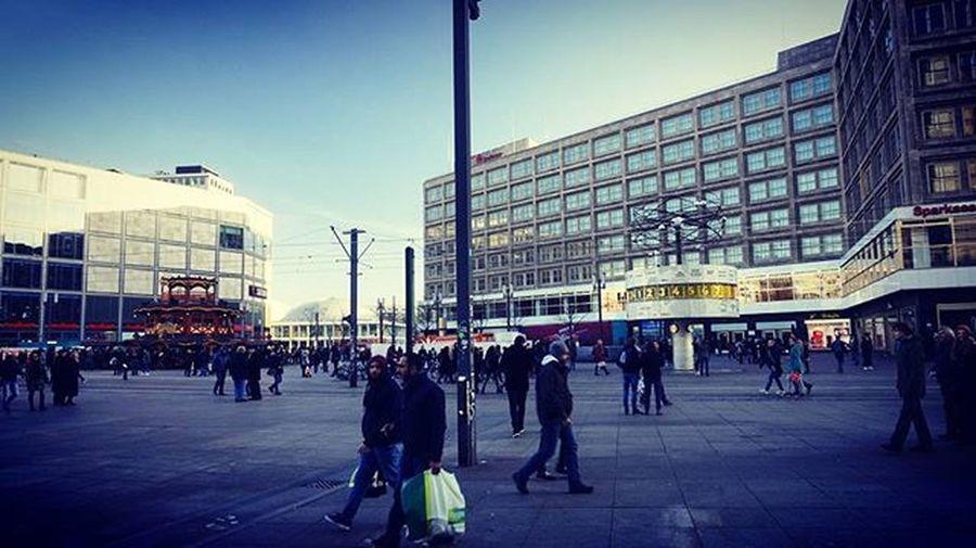 Am Alexanderplatz Berlin Weltzeituhr Saturnberlin Alexanderplatz Sonyalpha5000 Happy NiceWeek